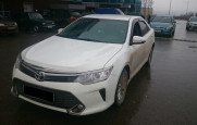 Toyota Camry (белая)